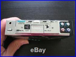 VNTG Aiwa HS-J600 Portable Cassette Player Radio Works Tape Broken Parts/Rep