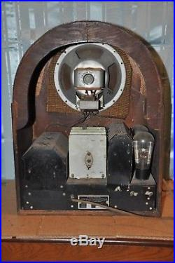 Vintage Airline Cathedral Tombstone Radio UNTESTED! FOR PARTS OR RESTORE ONLY