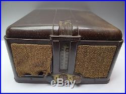 Vintage Bakelite 1947 Motorola 27644 67F11 HS-63 Tube Radio