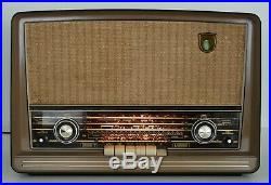 Vintage Philips Norelco B5X68A Tube Radio for Repair/Parts Working Condition