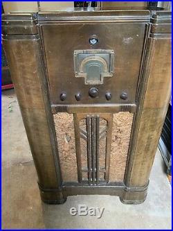Vintage RCA Victor Model 10 K Console Tube Radio Stereo